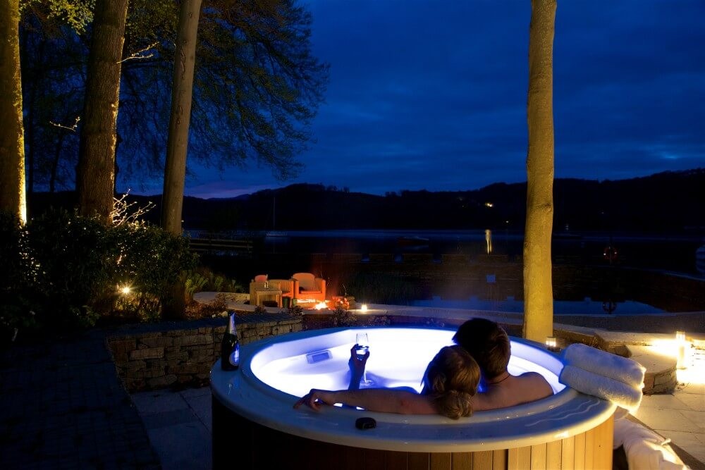Boathouse Hot Tub